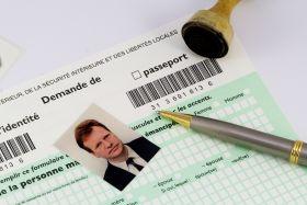 Demande de renouvellement d'une carte d'identité ou d'un passeport ...